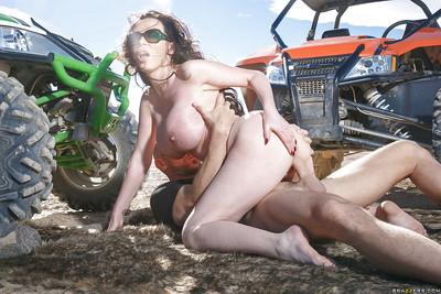 Chesty European MILF pornstar Nikki Benz having kewl ass exposed outdoors