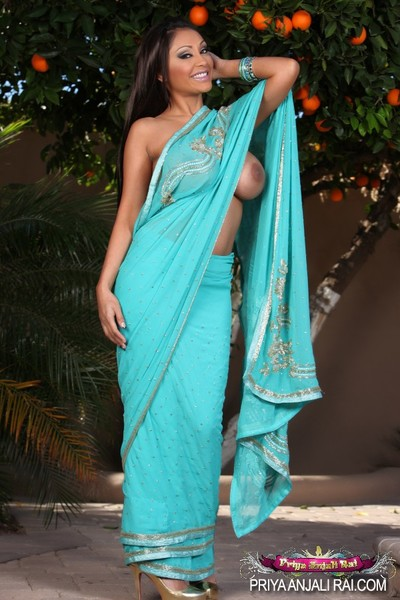 Busty Indian pornstar, Priya Rai, wanted to take u back across the Indian Ocean and give u a adult baby Sari remove clothes tease. Priya loves playing the unconventional flower.
