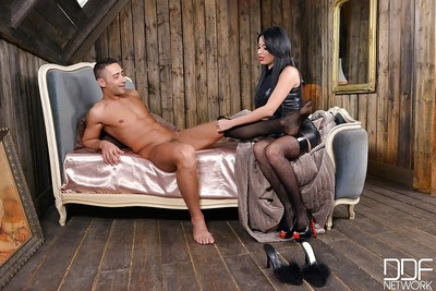 Master rated babe Anissa Kate giving crossdressing hubby a blowjob