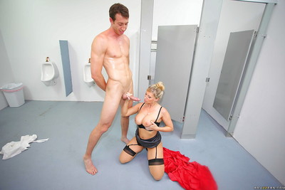 Kissable patriarch MILF Devon Lee with big tits has sex at school