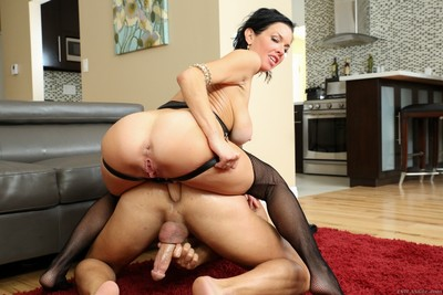 Veronica avluv with ding-dong