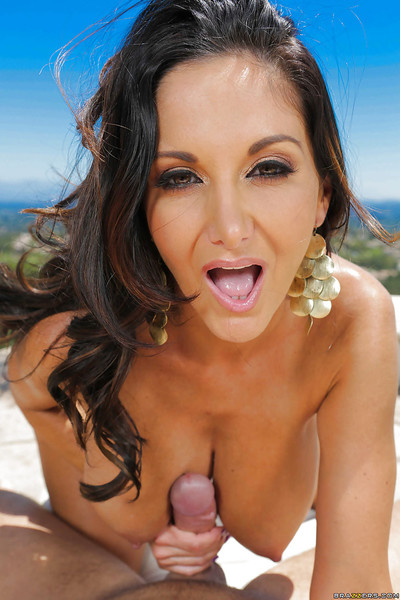 Brunette milf Ava Addams enjoys a big cock core her mouth outdoor