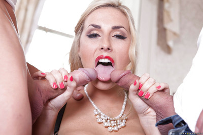 Paige Turnah enjoys double penetration action with welll-hung lads