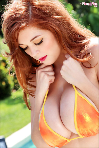 Close up posing from an astounding pornstar in a bikini Tessa Fowler