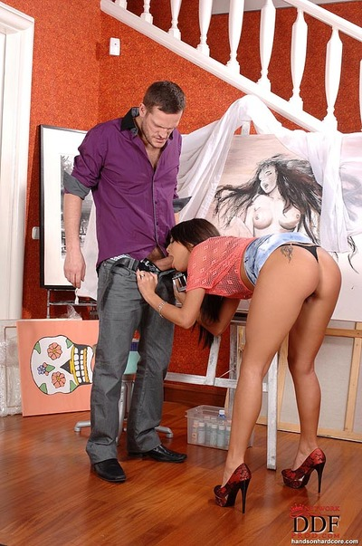 Extreme juvenile Melanie Memphis gives a deepthroat blowjob and benefits from screwed