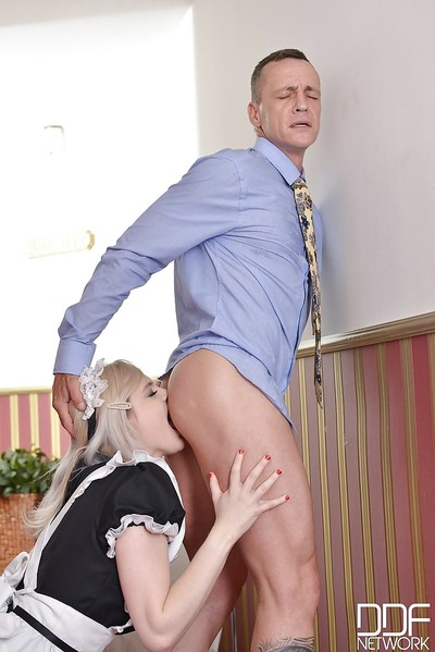 Hawt blond in maid