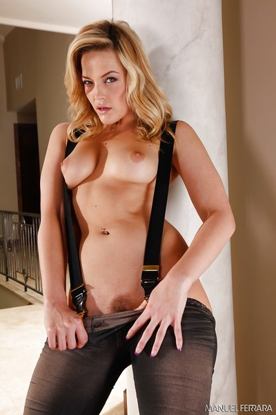 Fairy MILF Alexis Texas posing solo in denim jeans and suspenders