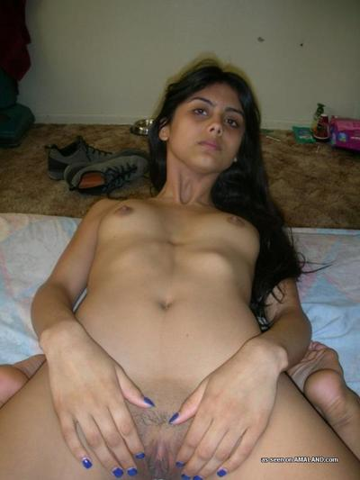 Kinky Indian girlfriend erotic dancing exposed and posing sleazy