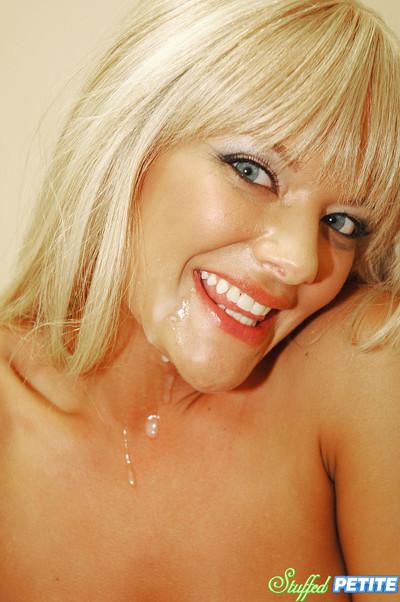 Gorgeous petite blonde gigi gets her snatch pressed