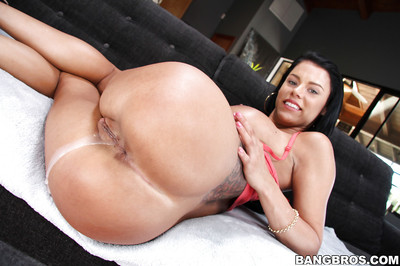 Brunette hair Peta Jensen gets crammed and creampied with a need wang