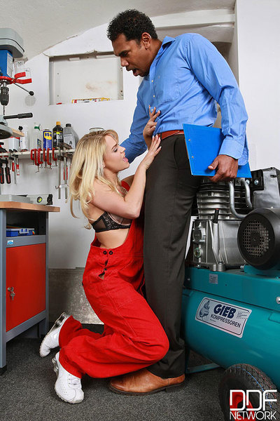 Fairy-haired beauty Barra Brass blows her bosses big jock at work