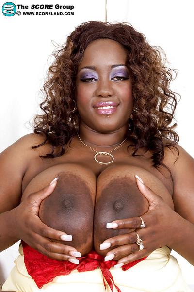 Sweet black BBW Nina Star lifts her skirt up and masturbates.