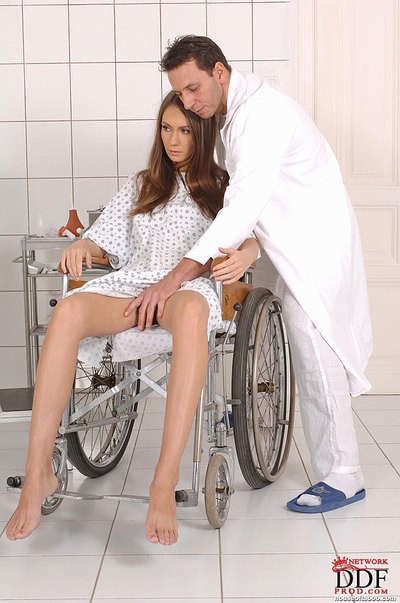 Hottie with nice legs takes kink fingering from her perverted doctor
