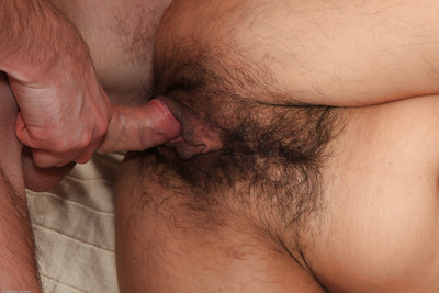 Amateur and titsy Latoya gets her wavy uterus licked and fucked