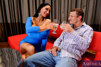 Pete is out with his girlfriend friend Amy. Amy is the only pretty that Pete girlfriend allows him go out with alone and he just happens to take Amy to a swingers club. Pete has been staring at Amy love melons all night and notices her huge love melons sp