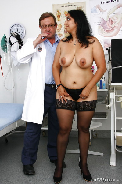 Indian BBW Alice having pussy dilated with wand by kinky doctor