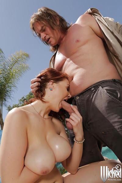 Big milk shakes pornstar enjoys cumshot on her milk shakes outdoor from her fan