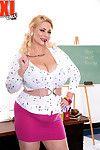 His teacher miss samantha 38g desires to fuck