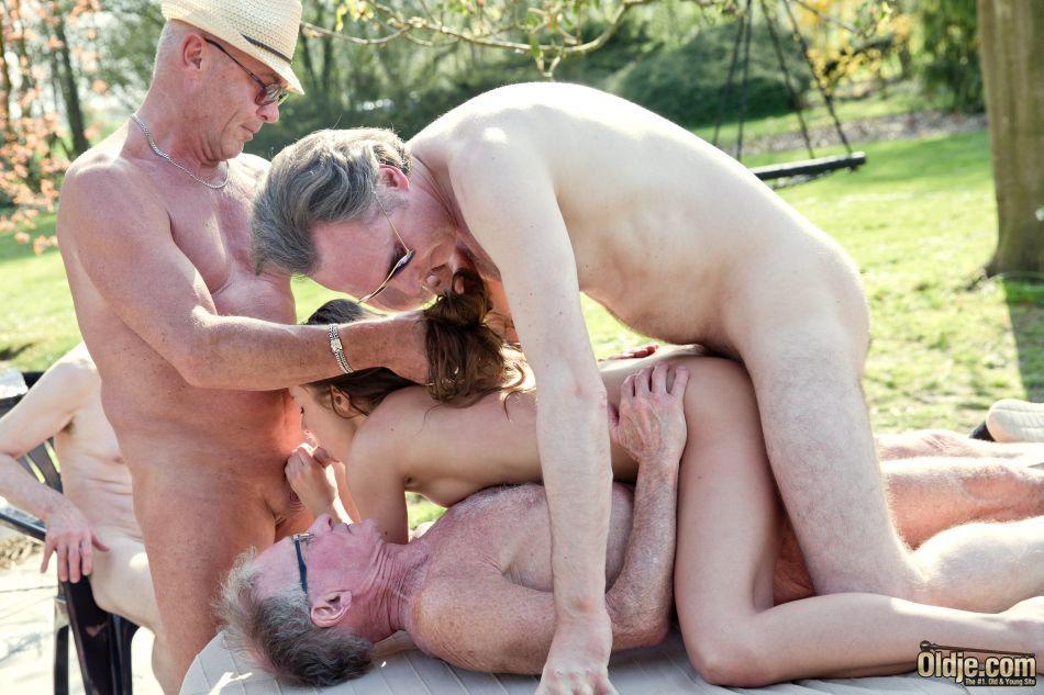 Granny picnic turns into black dick bj event 4