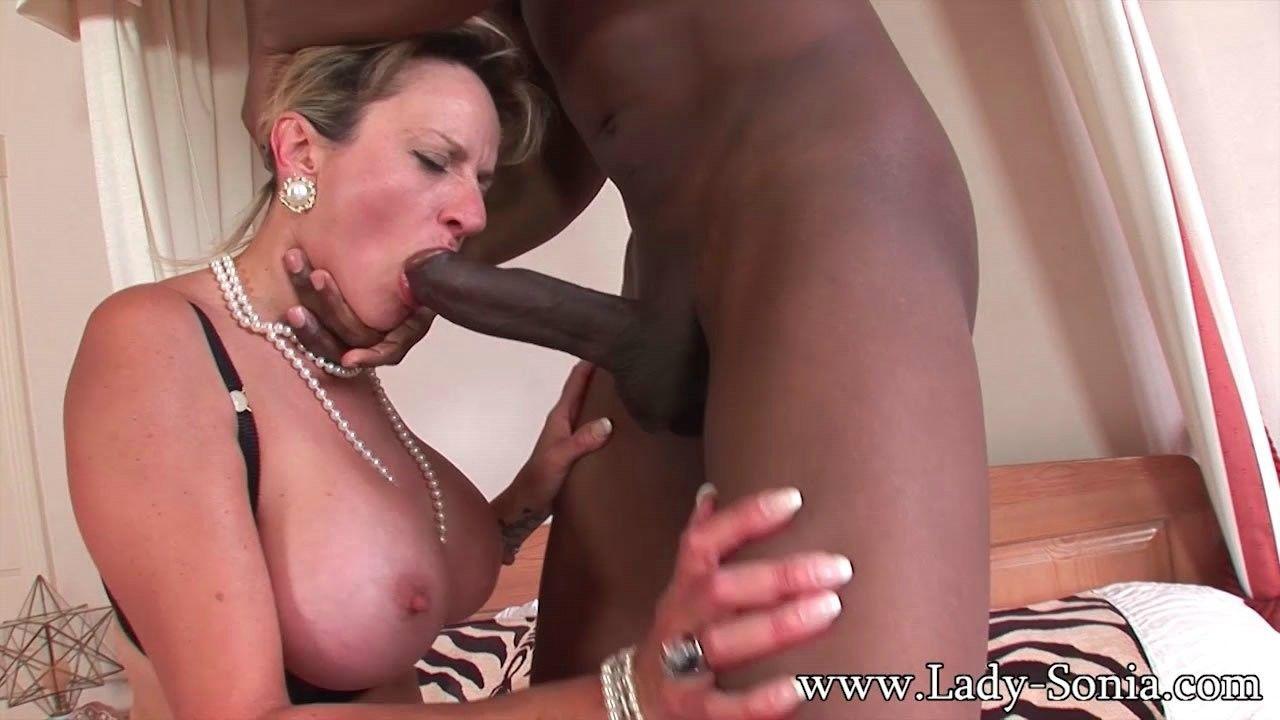 lady sonia having sex