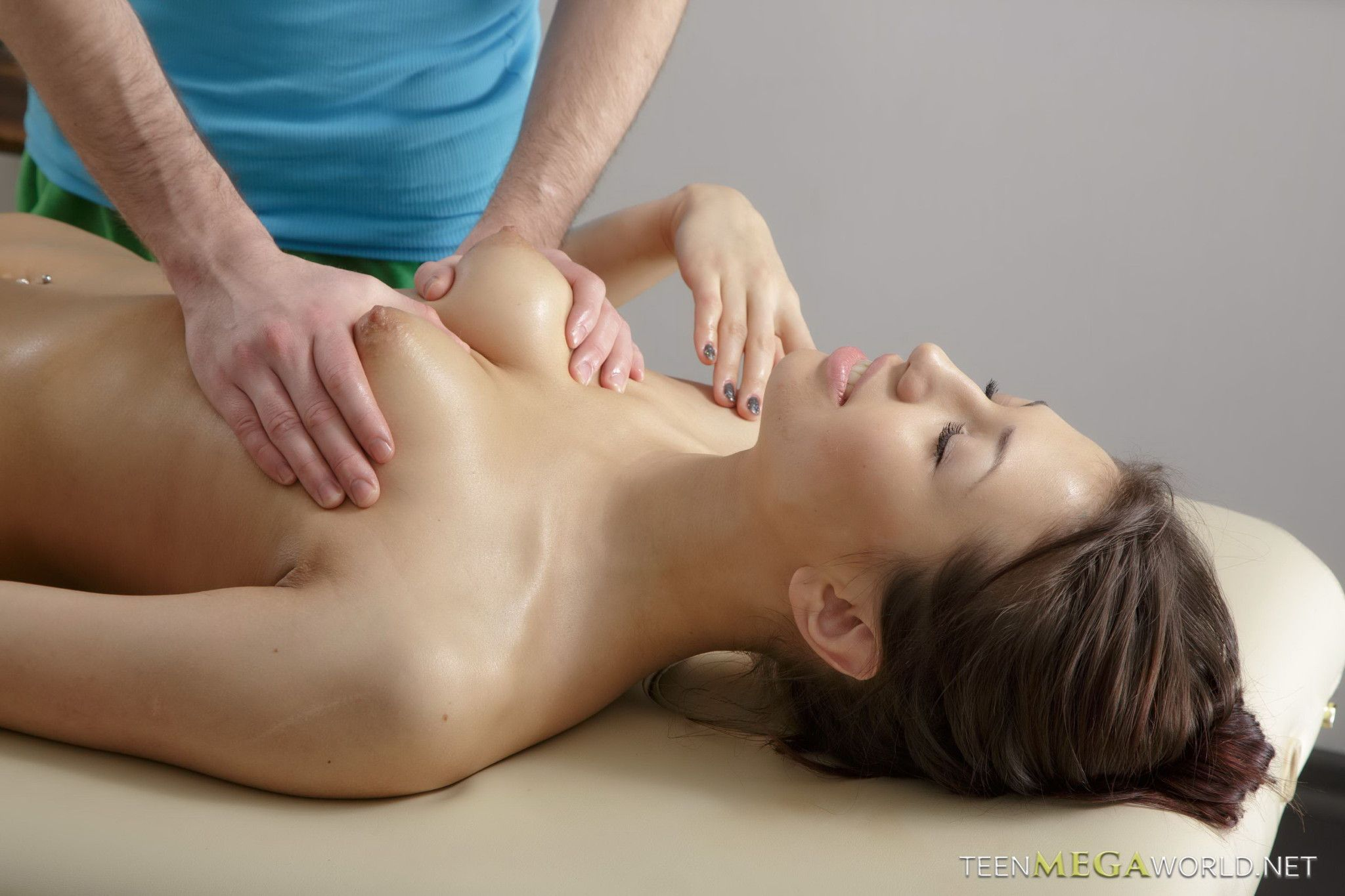 naked massage sex women