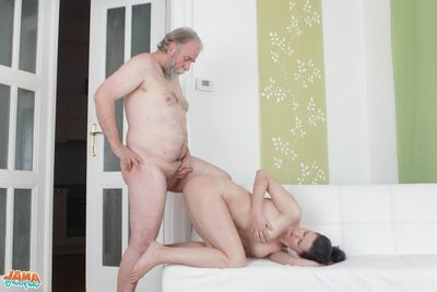 [Old Young Anal] None turns her heavens overhead the opportunity to be violate within reach