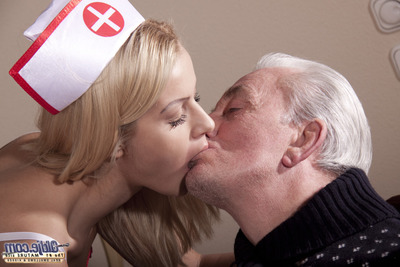 The latest nurse kisses the patients subterranean in the maw and sucks the withered dicks. Now and then good ass training and even a DP to kill time is on the menu... this nusrse is the top  oldjes can dream of: Wild!