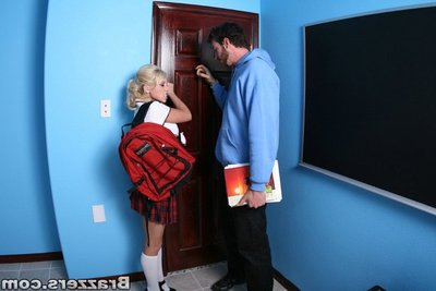Youthful schoolgirl Shawna Lenee hunger for hardcore waste astonishingly