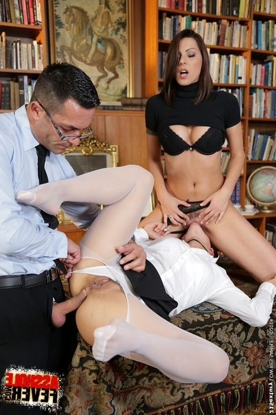 Coed tutor Cindy Hope tutor her juvenile student how to participate anal sex