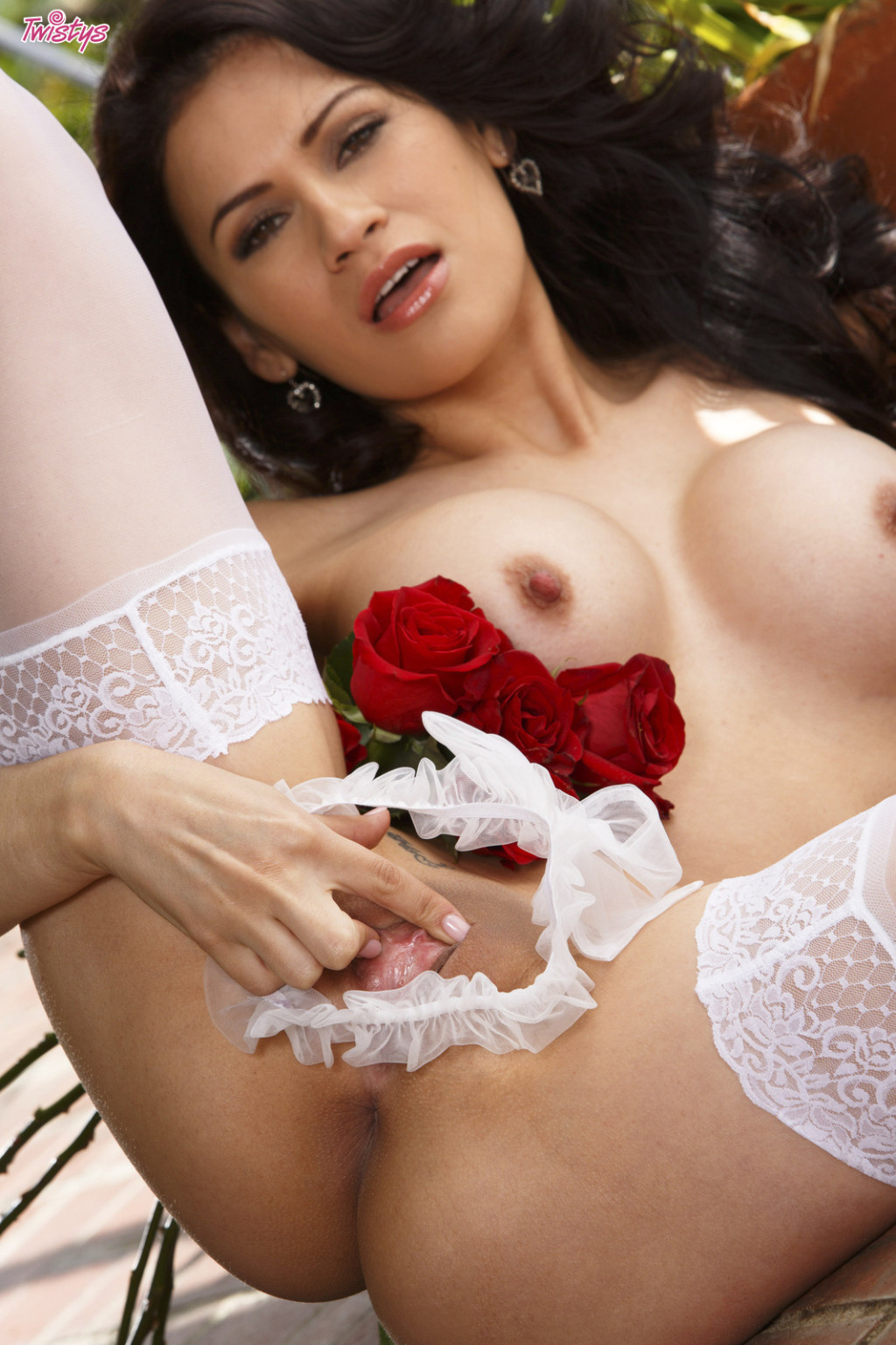 Vanessa veracruz shows off her perfect body in underclothes