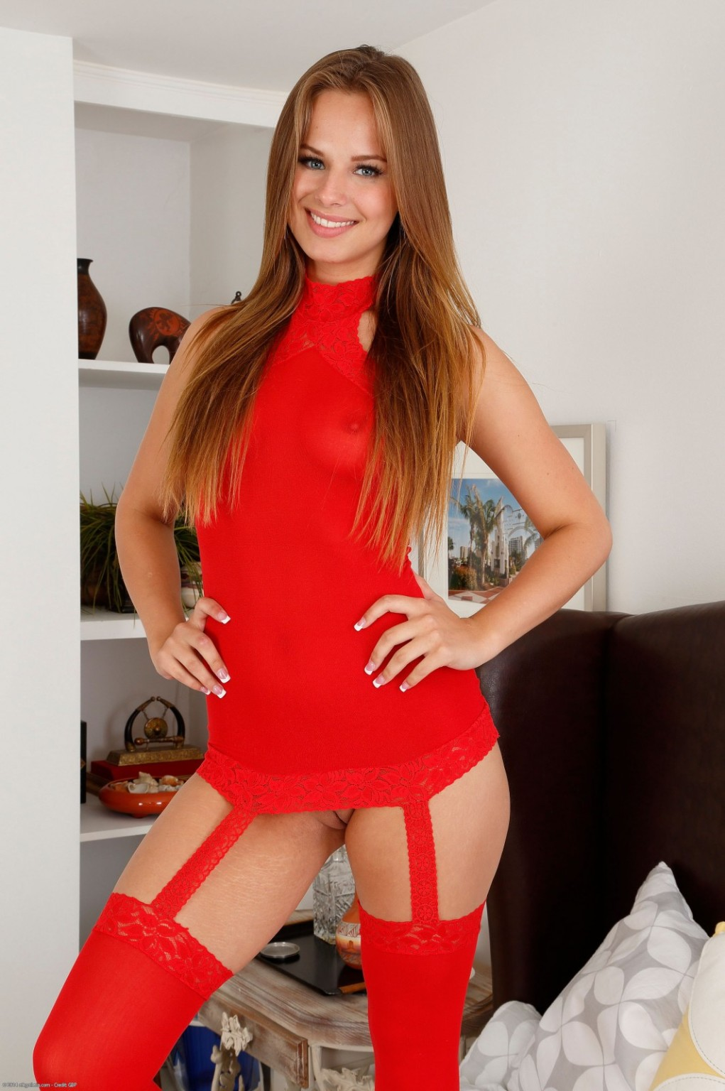 Sexually intrigued teen jillian removes clothes to finger her waste and her fur pie