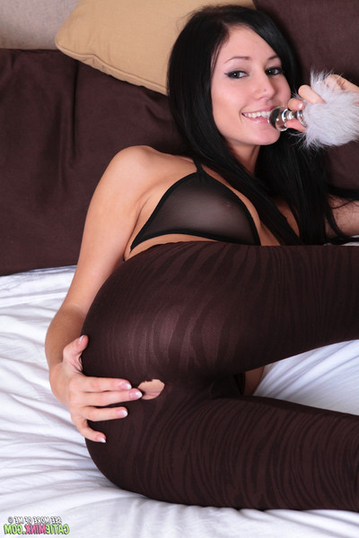 Catie Minx Fingering And Fuzzy Anal Bunny Buttplug - Pichunter
