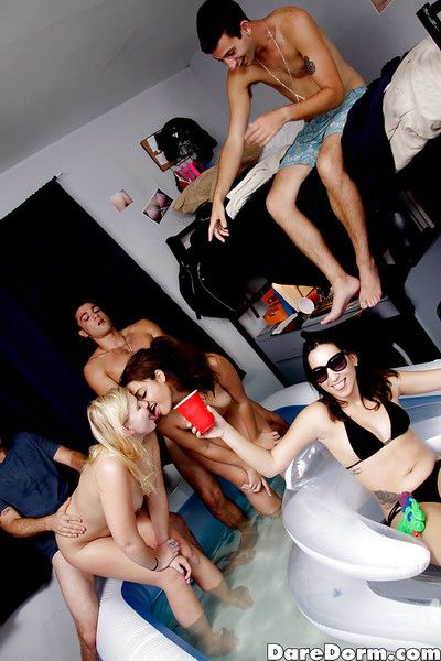 Bachelorette slut Melissa May and New Zealand huge quantity forsaken groupsex action with regard to dorm