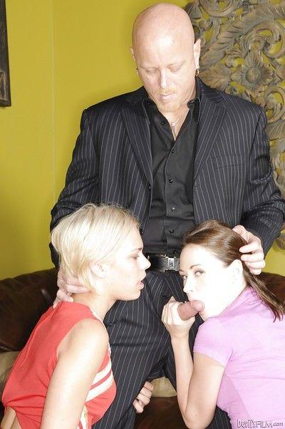 Cute teen girls Sindee Jennings and Shelby Angel please reproachful padre