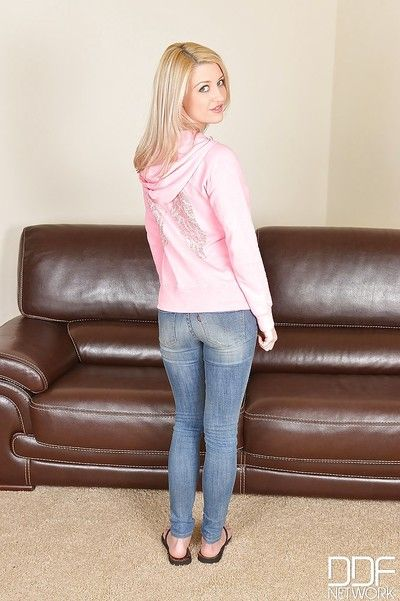 Pretty blonde girl Sienna is spreading her shaved pussy be fitting of us