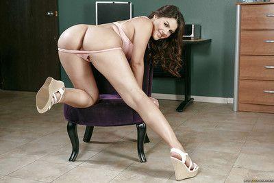 Caliente euro pornstar Valentina Nappi windowdressing su bonito Ronda diámetro