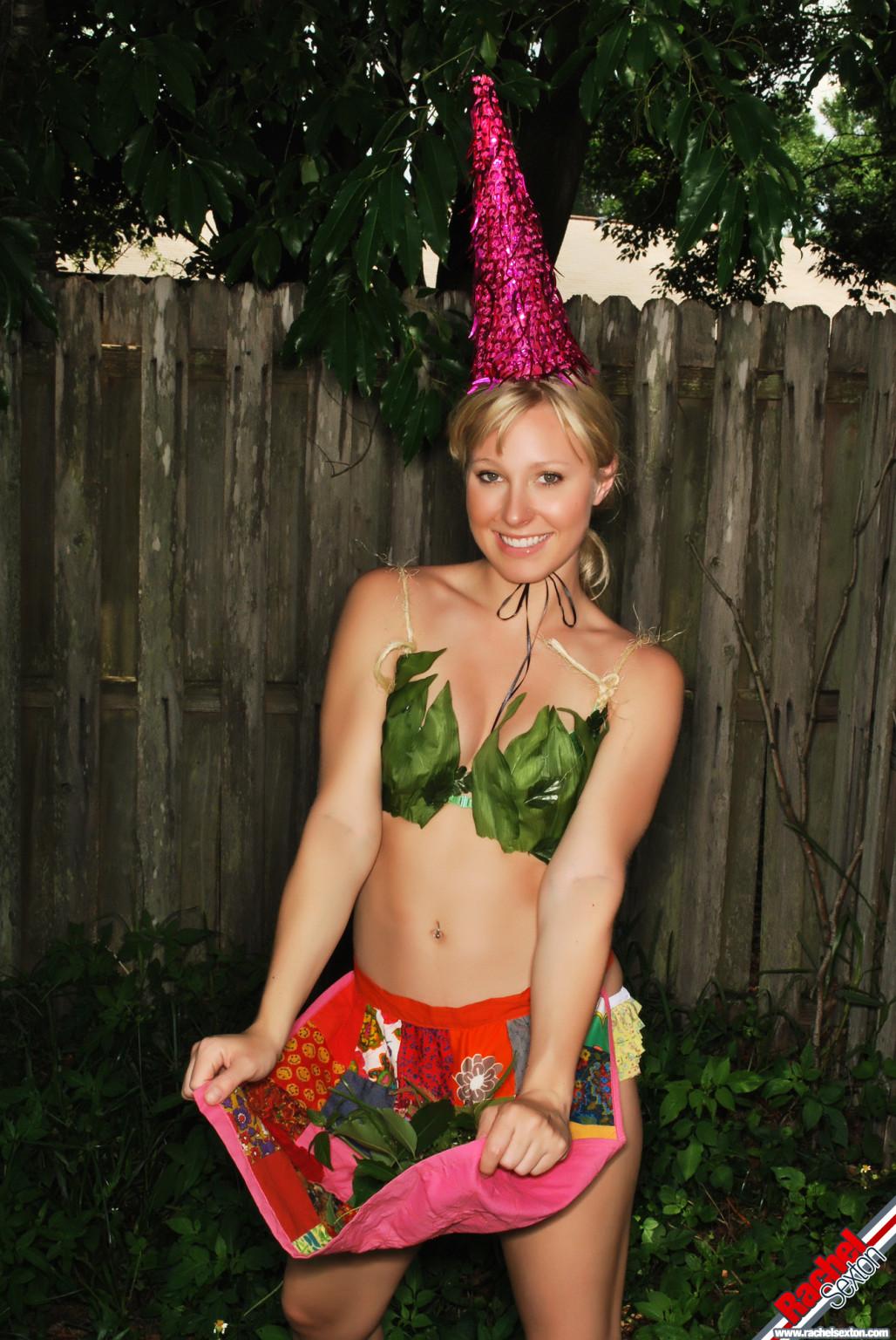 Rachel sexton is gnome alone erotic dancing in the yard
