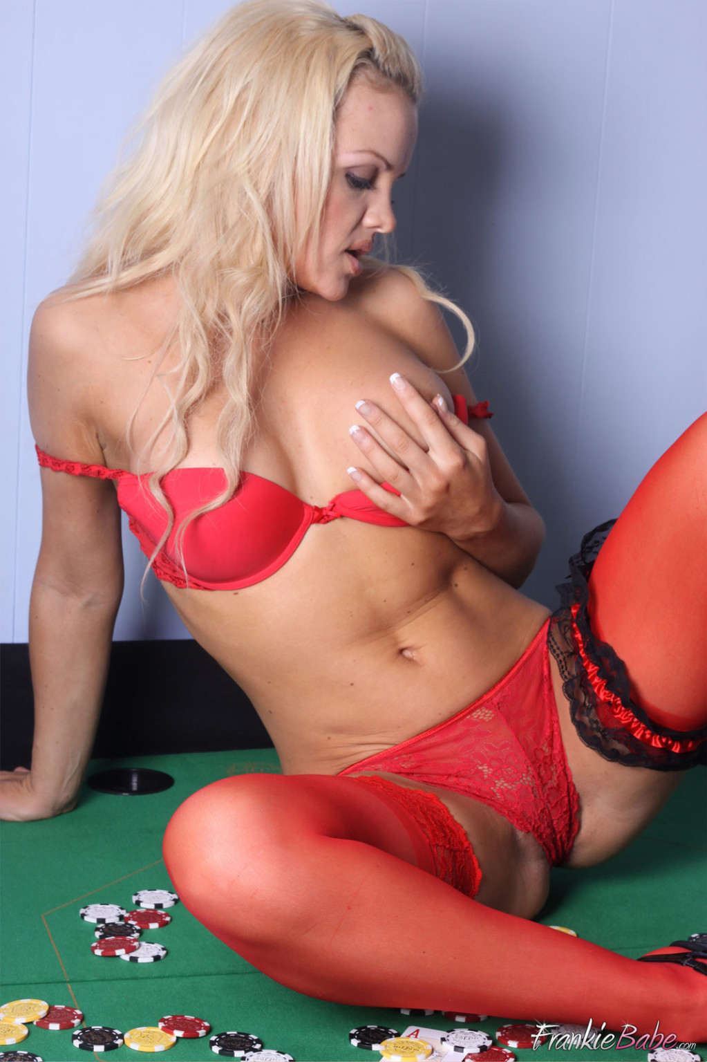Who fancies a game of disrobe poker dirty perspired golden-haired frankiebabe is equipped to depart