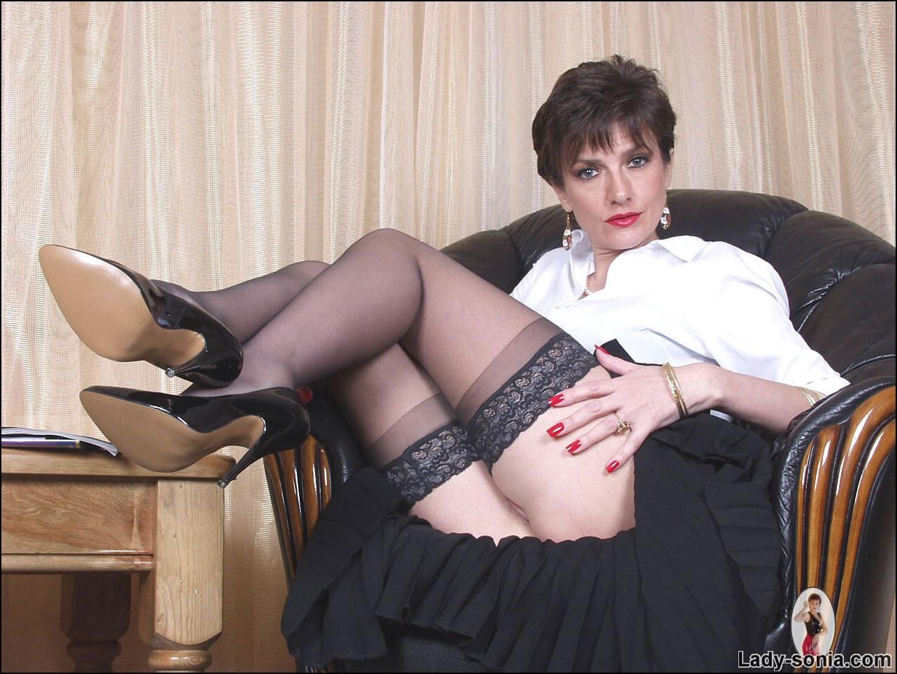 Free crotch underclothes milf lady sonia