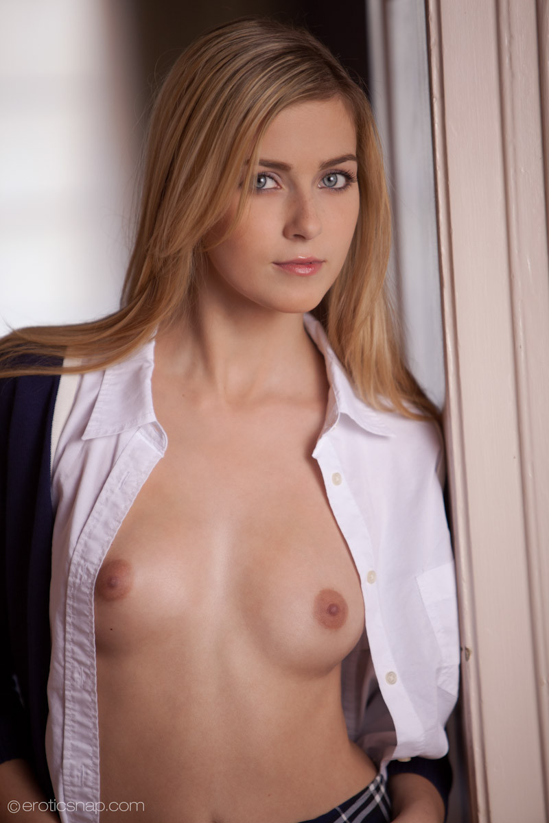 Hot abigaile johnson takes her clothes off off her schoolgirl uniform