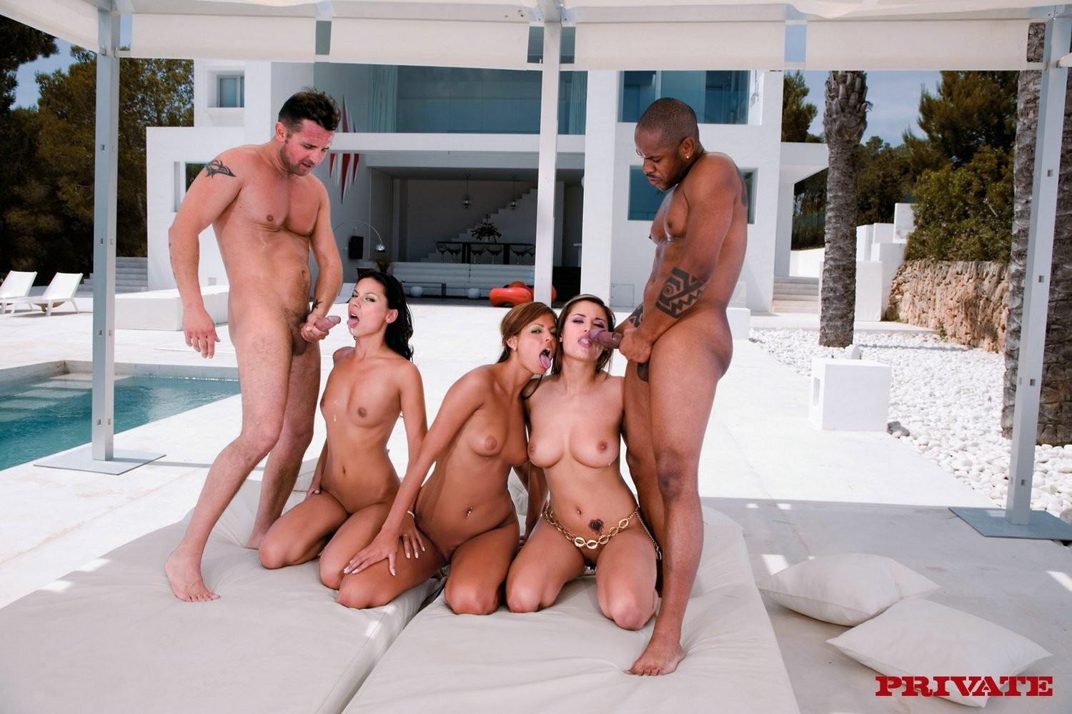 3 alluring chicos at ibiza sharing a penis in a foursome