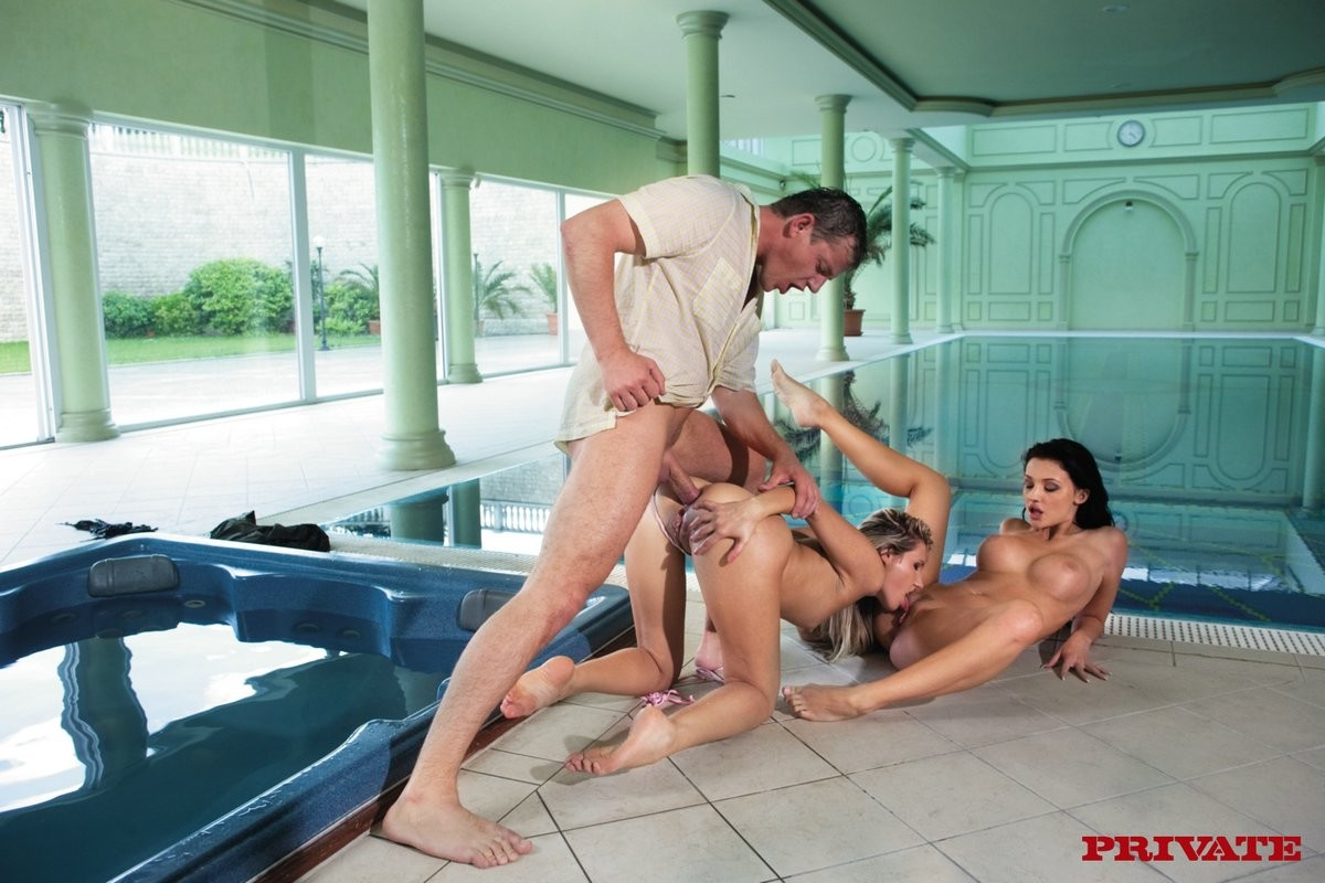 Appealing aletta ocean bonks golden-haired pretty and biggest wang by the pool