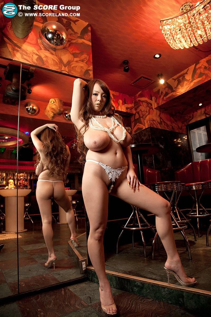 Chinese hitomi tanaka dresses up as a showgirl