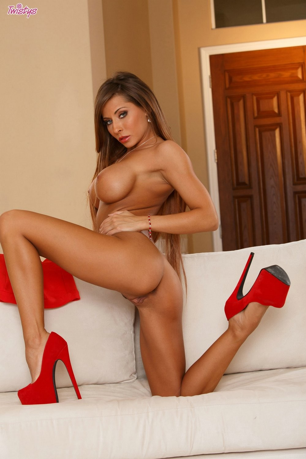 Madison ivy receives raunchy and peels off her clothing