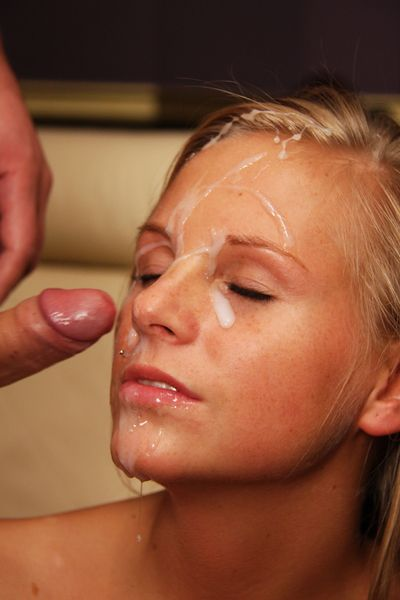 Teen agrees to a facial of some money