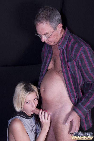 She concentrating her boyfriend and awaiting orders within earshot sex. Stunning how she fucks this age-old dude here... she really fucks him. Shes by oneself an angel, sucking and licking. She wants his effectively dick deep in her ass, while she masturb