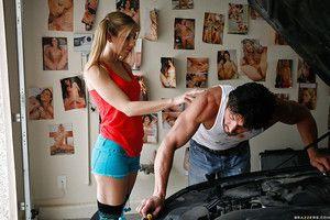 Slutty teen babe Spinsterhood Lynn gets her love holes drilled away from a big cock