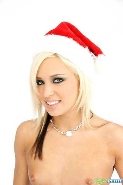 Horny petite holiday leprechaun kacey jordan gets fullest extent