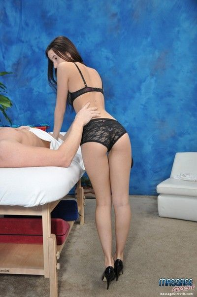 Sweet 18 year old palpate therapist belle gives minor extent in the sky a massage!