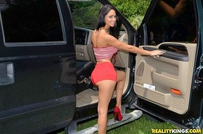Allude cuban hottie jazmine takes in will not hear of mouth